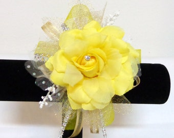 Yellow Organza Flower Wrist Corsage-Wrist Corsage-Wedding Destination-Prom-Party-Mother of the Bride-Bridesmaid-Wrist Corsage-Floramiagarden