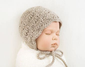 Crochet baby bonnet, baby hat, baby girl, vintage style, baby crochet, birth gift, photo props, newborn hat