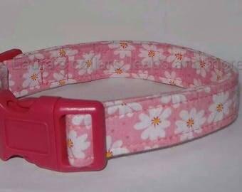 Handmade pink daisy fabric dog collar , dog collar , adjustable , small , medium , large , floral , daisy , girl collar , pink