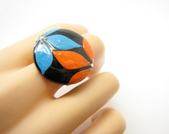 Ring petals embossed, resin and paint 2.5 cm, Bohemian chic
