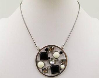 Silver Circular Pendant Necklace