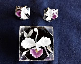 Vintage Reverse Carved Lucite White and Purple Floral Pin and Screw Back Earrings