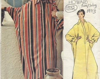 1973 Vintage Vogue  Sewing Pattern B36 Caftan Dress  (1332) BY CHUCK HOWARD