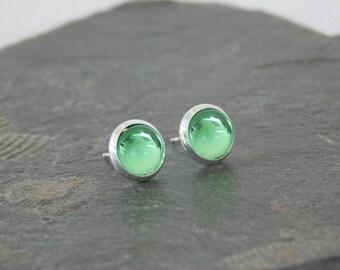 stud earrings *crystal clear green dot* green glass