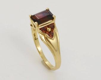 14k Yellow Gold Garnet Ring Size 8.25(01156)