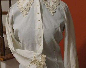 1960 Rhonda Lee lace trim blouse