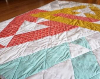modern baby quilt -- 004   four triangles design