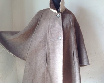 Cape/coat Maison Antoine Madeleine Barese. Vintage cape. Original coat