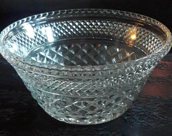 Large Wexford Pattern Anchor Hocking Heavy Glass ball Crystal Cut