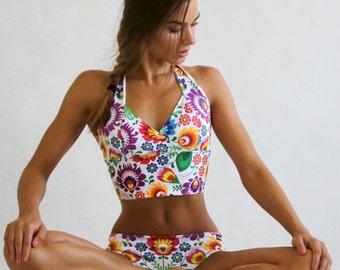 Women's Sports Bra - Elegant / Folk White or Black / Top w/Pads / Hot Yoga / Pole Dance / Twerk / Fitness / Dance / Sportswear / Activewear