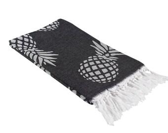 Black and White Pineapple Print Woven Turkish Towel, Oversized Beach Towel, Extra Large Bath Towel, Reversible Thin Peshtemal Fouta Towel