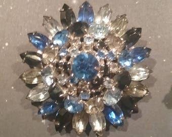 Vintage multi color brooch and earrings set.  BlueClear Black