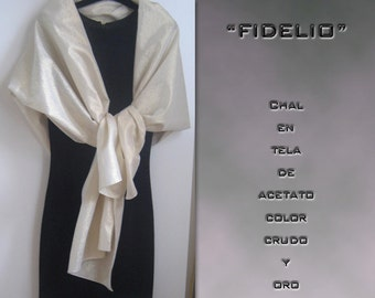 Fidelio. Party in acetate and gold shawl.