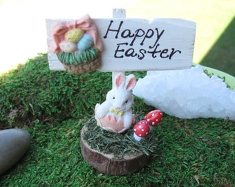 """Miniature """"Happy Easter"""" Wooden Sign"""