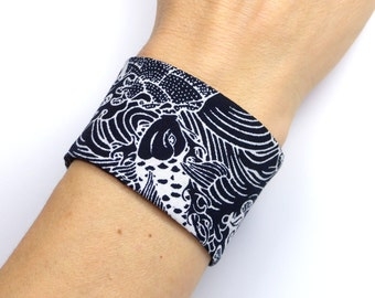 Obi Style Bracelet, Japanese Fabric, Taylor-made - Asian - Fisches Waves - black and white