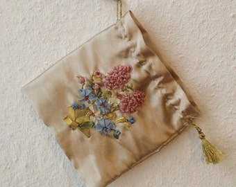 Small bag with embroidery