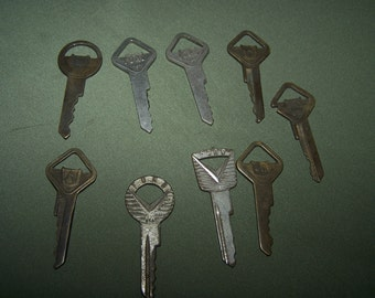 Ford keys lot of 8 plus 1  unmarked