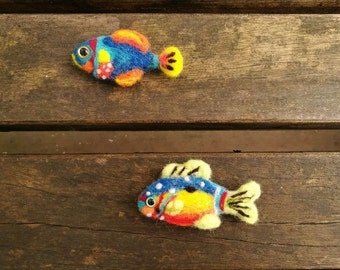 Needle Felted Tropical fish brooch,felted jewelry, handmade needle felting fish, handmade Christmas ornament, Fish love gift