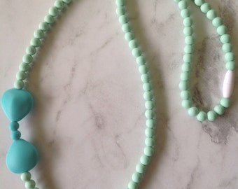SALE! Silicone Teething Necklace - Mint