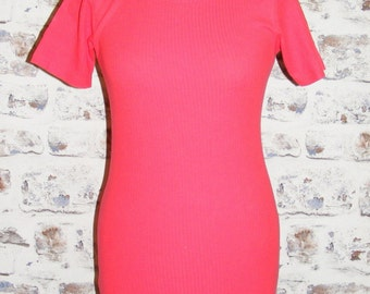 Size 10 vintage 70s short sleeve scoop neck skinny fit t-shirt ribbed red (GY58)