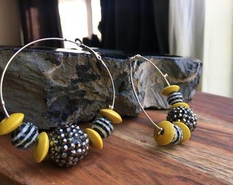 Retro Hoop Earrings, Yellow & Black beads on Silvertone hoop