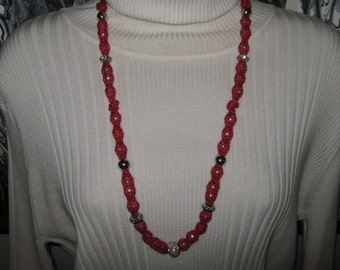 Red Hot Knit Necklace