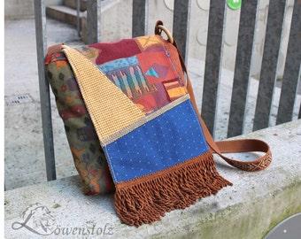 Shoulder bag style in the 70s, fringe bag