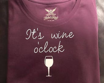 Wine o'clock Tee - Burgundy