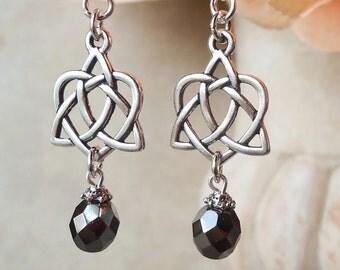 Celtic Heart Dangle Earrings.Hematite Crystal.Love Knot.Metal earrings.Silver.Long earrings.Black.Bridal.Irish.Infinite.Valentine.Handmade.