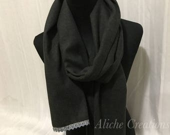 Gray scarf with lace trimming