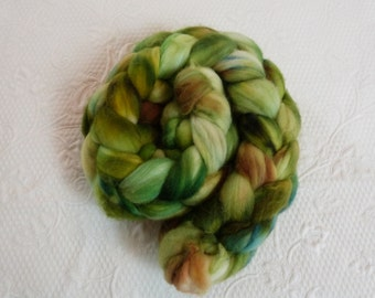 150 g Merino superwash hand-colored green, Brown