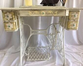 Vintage Desk/Vanity/Sewing Table/Entry Table