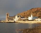 Light on Oban esplanade :...
