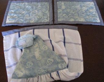 Skull hand towel with heat mats