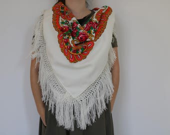Viana's tradicional scarf, white, traditional pattern, fringed scarf, made in Portugal.