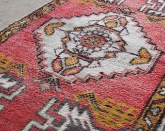 1.10'x3.3' Small Red Traditional Turkish Door Mat Rug