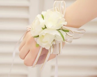 Bridesmaid Wrist Corsage, Wedding Flowers, Wedding Corsage, White Corsage, Corsage with Pearl Bracelet, Prom Corsage