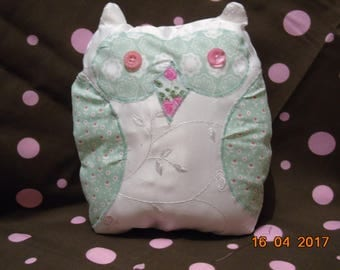 Owl cushion with lavender