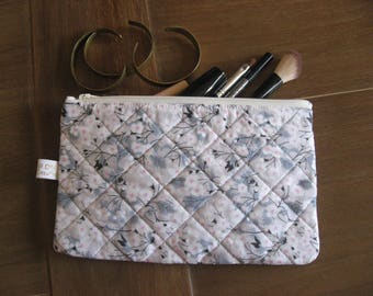 Liberty padded pouch