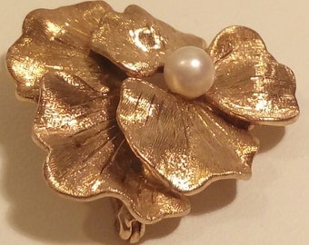 14-Karat Gold Pansy Brooch With Set Pearl (c. early 1900's)