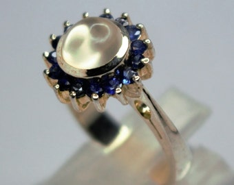 Set Silver Pink ring of Moonstone and sapirre in the round