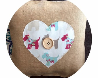 Tilly heart hessian cushion