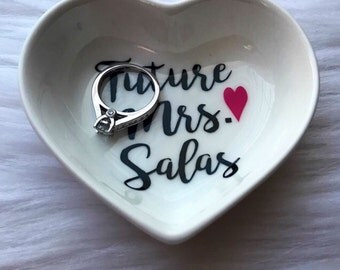 ring dish / ring holder / bridal gift / engagement gift / custom ring dish / heart ring dish / bride to be / ring dish personalized