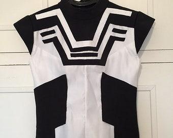 Top black and white futuristic Zak double