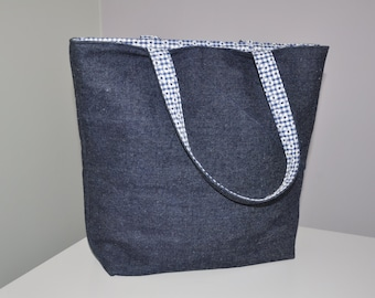 Tote Bag with Pocket and Lanyard Pattern