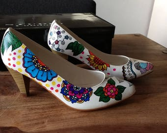 Beautiful, unique and hand-painted pumps, size 38