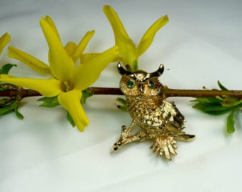 Vintage Monet Signed Gold Toned Owl Pin with Emerald Rhinestones Eyes.