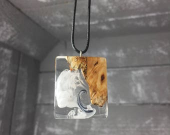 Handmade resin wood necklace necklace with precious wood Resin Wood natural