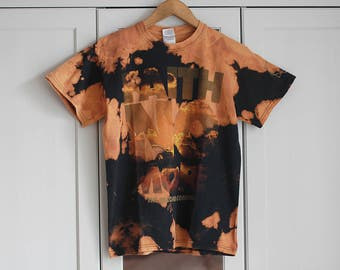 Band T-shirt FAITH NO MORE Acid washed Destroyed Vintage Black Orange Color Grunge Rock n Roll Summer Festival Look Retro / Small size