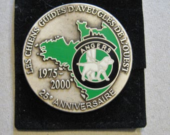 A Very Nice French Guide Dog For The Blind 25th Anniversary Medal - Les Chiens Guides D'aveugles De l'ouest 25 Anniversaire